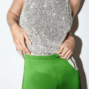 Ropa de tejido brillante
