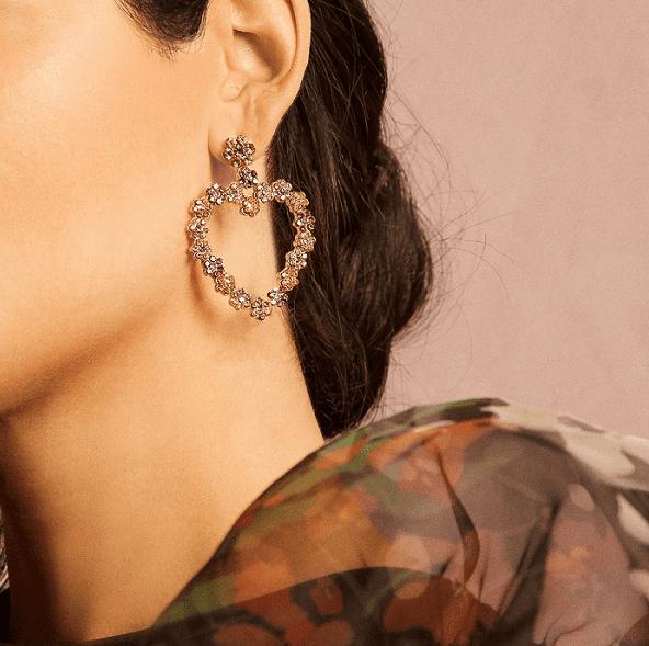 ¿Cómo tomar fotos atractivas de joyería de moda para las ventas?