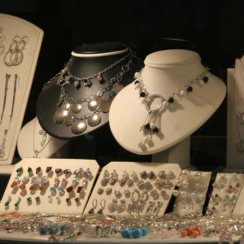 How To Find Cheap Trendy Jewelry and Reliable Suppliers For Small Jewelry Business