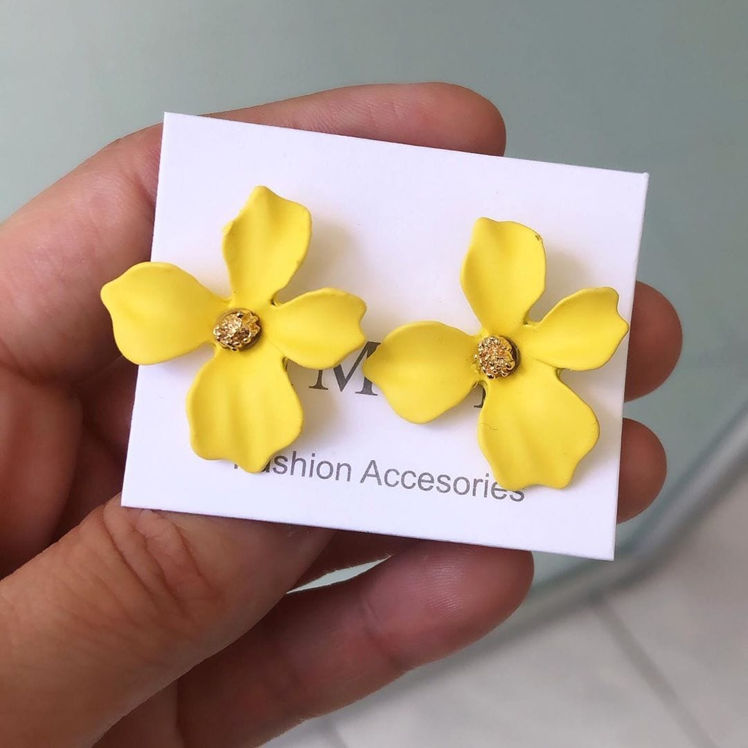 Bright flower earrings