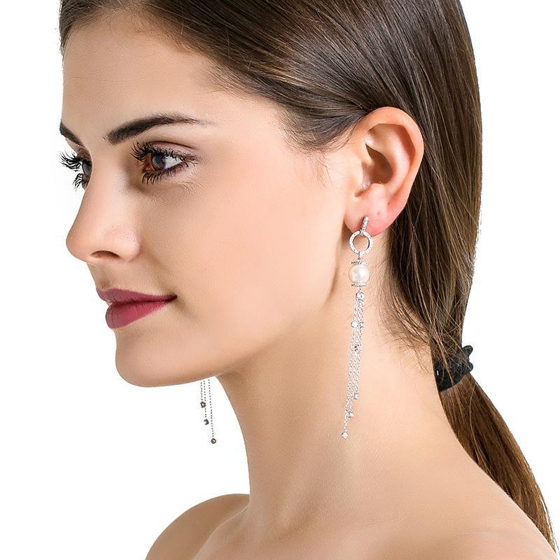 Best 13 Wholesale Fashion Jewelry Distributors In China/US/UK