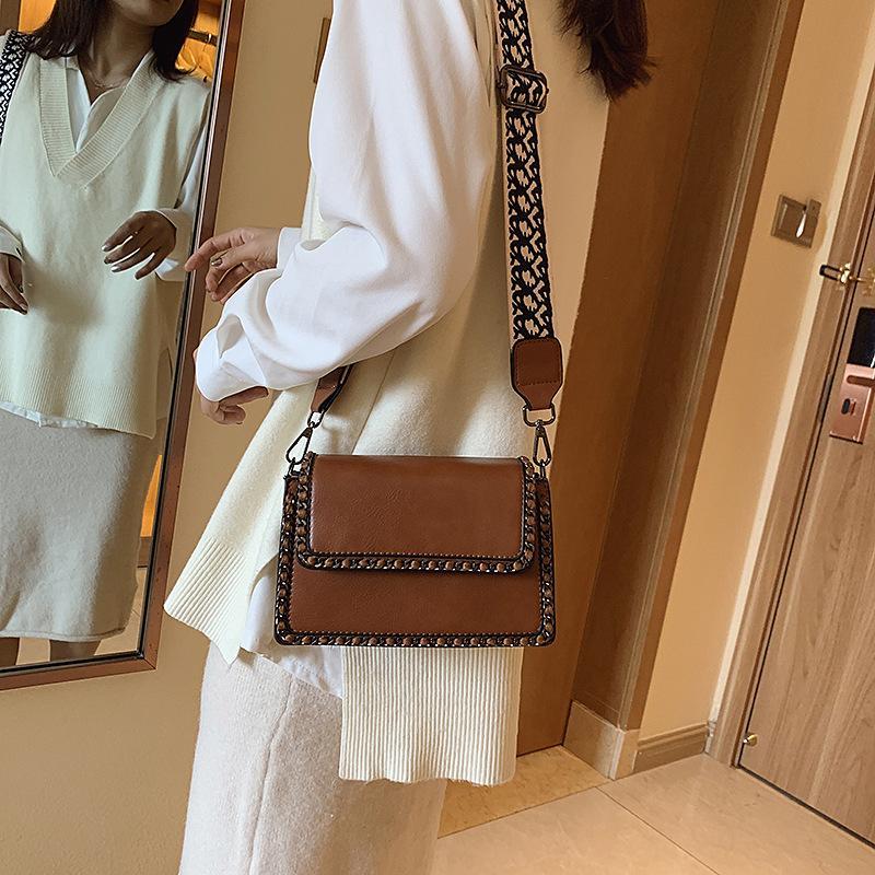 Vintage Style Wild Wide Shoulder Strap Shoulder Bag