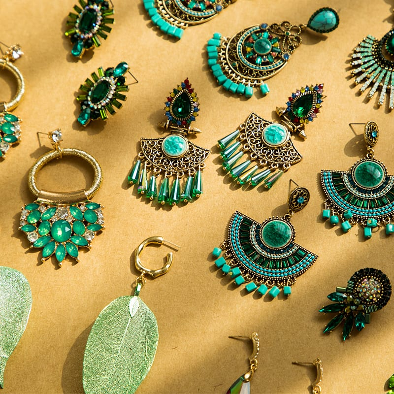 How To Find Wholesale Jewelry Suppliers And Sell Retail?