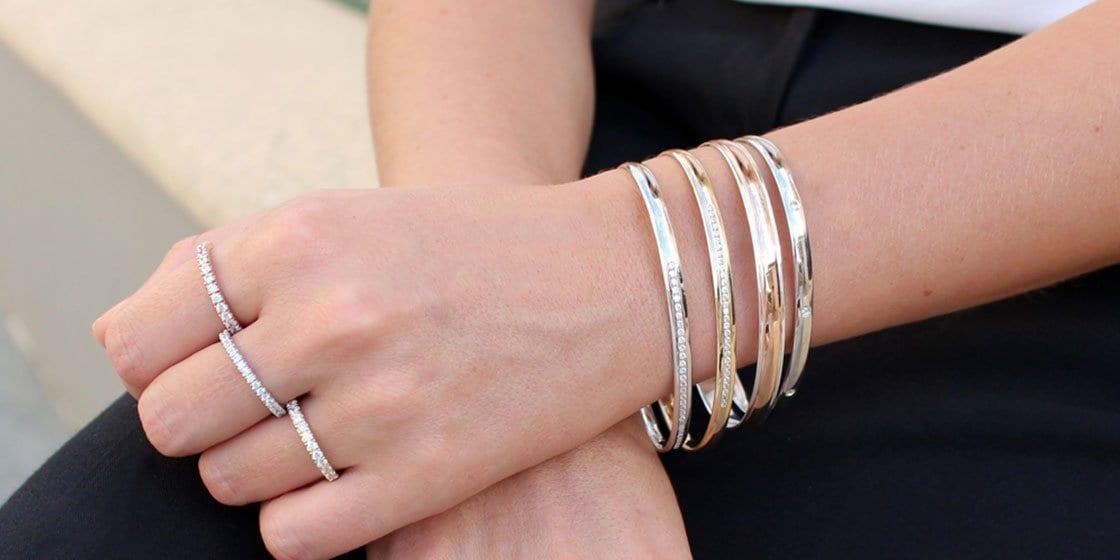 choosing jewelry